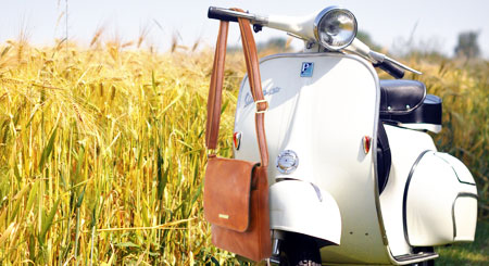 Tuscany Leather Vespa