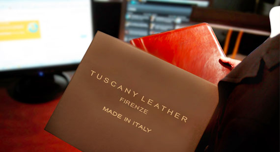 Discover our Corporate Engraved Gifts proposal Tuscany Leather